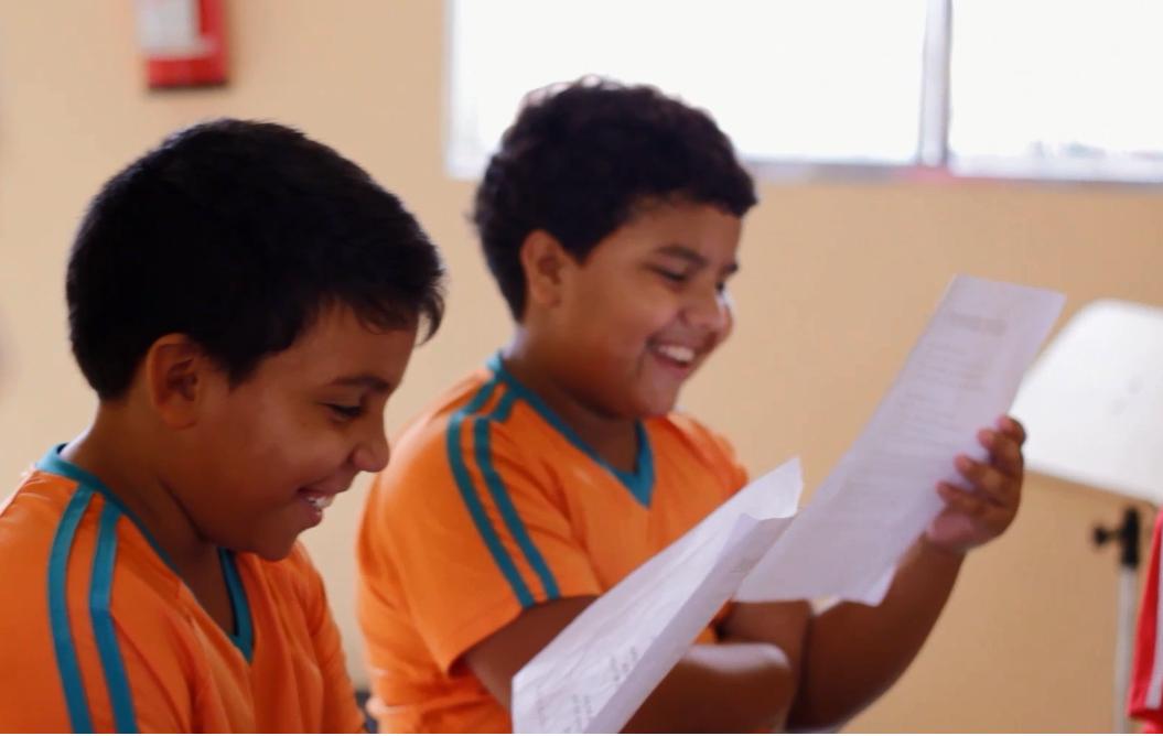 Projetos que incentivam a alfabetização e educação